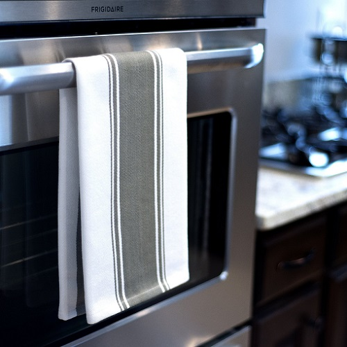 Everything To Know About Kitchen Towels | TheHomeMakersDish com
